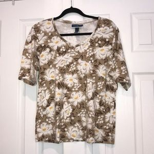 3/$25 Karen Scott Floral V-Neck T shirt XL